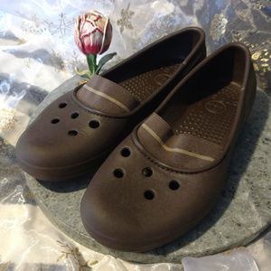 Crocs Brown Flats 6W